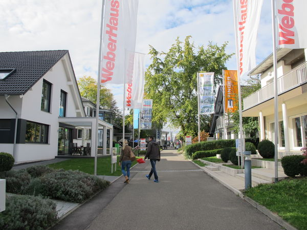 Ab in die Bausaison! Hausausstellung in Fellbach bei Stuttgart guter Wegweiser