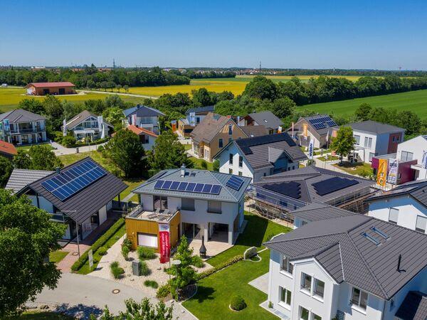Fertigbau bietet flexible und intelligente Wohnkonzepte - Rund 60 Beispiele im Bauzentrum Poing